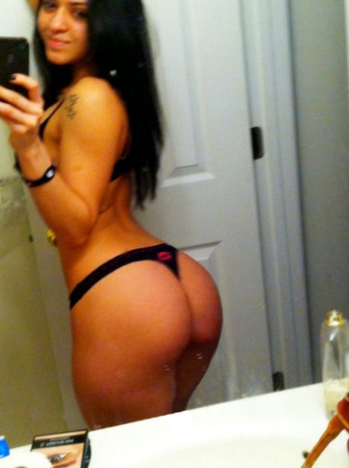 Big Latina booty ass in thong selfshot