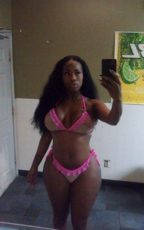 Big booty ebony candy with curvy body and hot hips selfshot