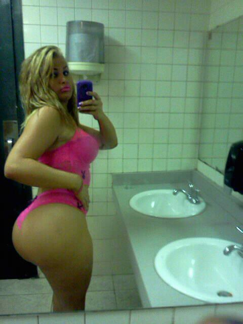Amateur toilet solo hot wet and puffy teen 4